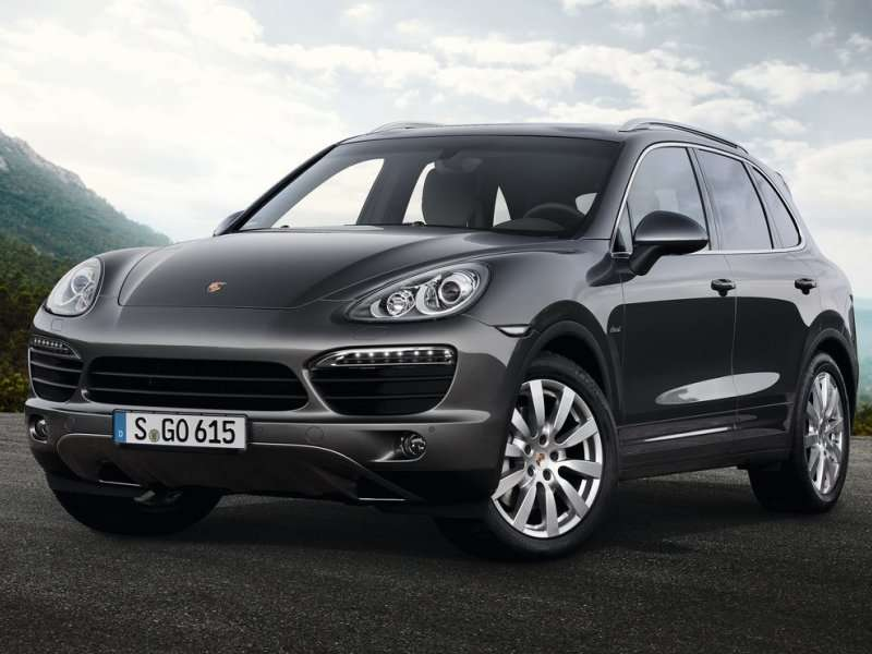 The 2017 Porsche Cayenne Offers Mid Size Accommodations