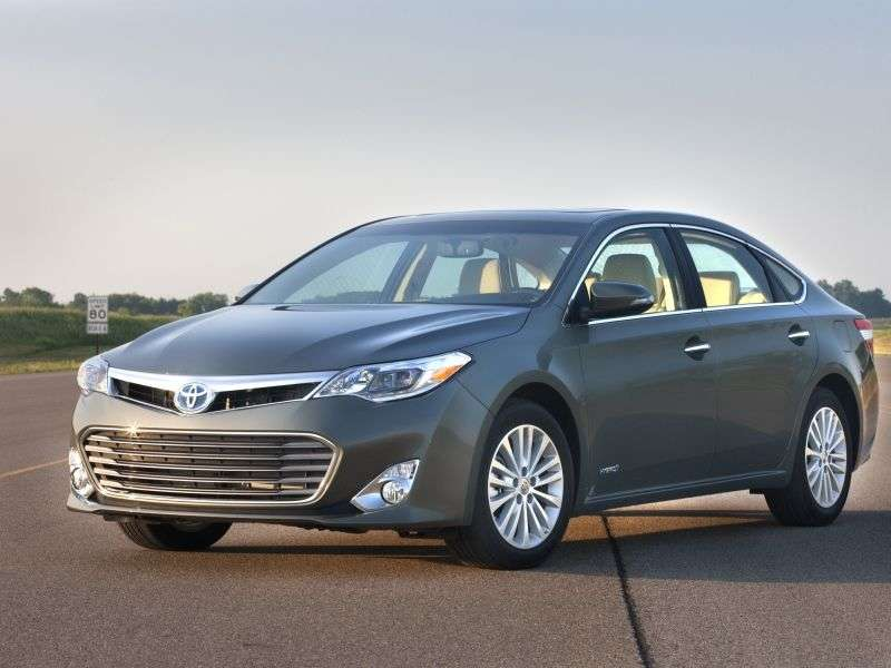 Family Cars With The Best Gas Mileage   06   2013 Toyota Avalon Hybrid