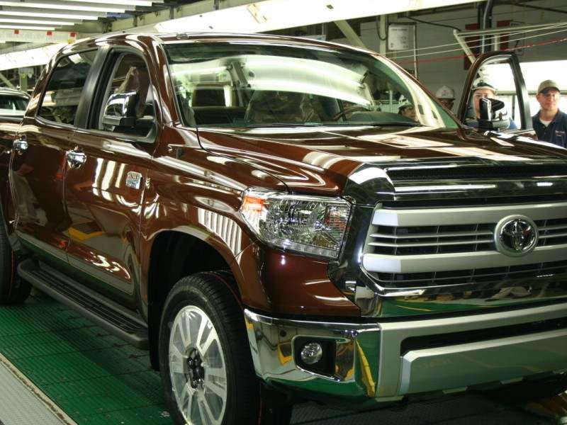 Toyota Builds Their Millionth Pickup In Texas