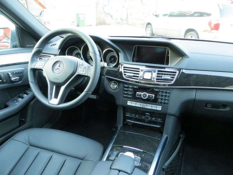 maaliki mercedes at used class detail sedan benz e