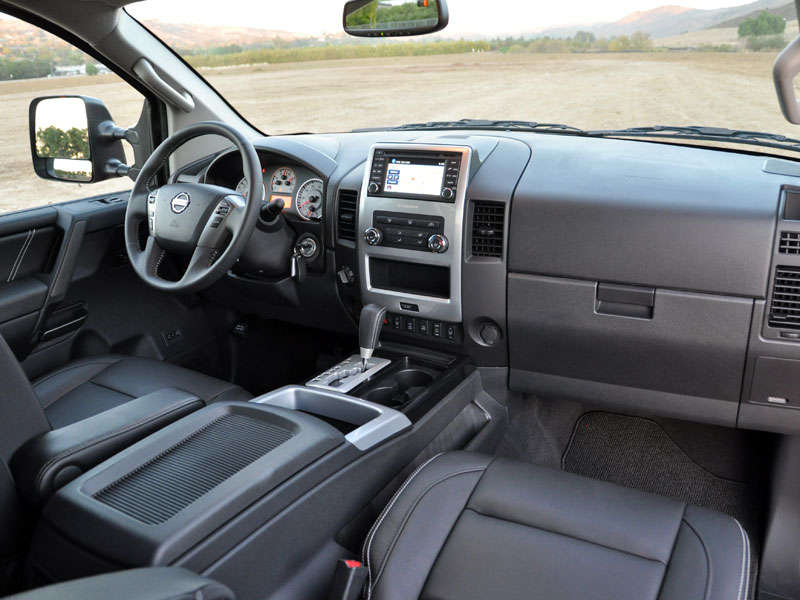 2014 Nissan Titan Road Test And Review: Features And Controls
