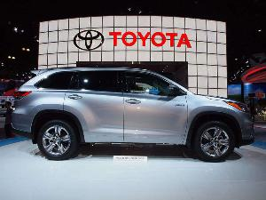 2014 Toyota Highlander Hybrid Preview: 2013 Los Angeles Auto Show