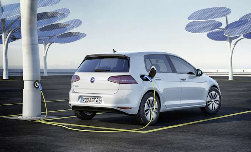 New 2015 Volkswagen e-Golf Preview: 2013 Los Angeles Auto Show