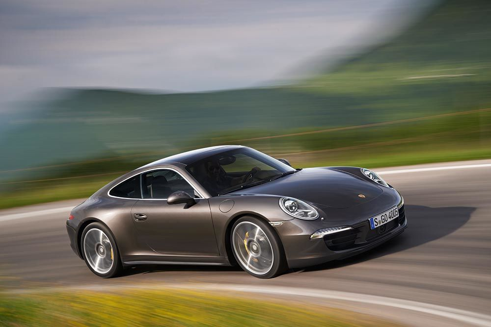 the 2014 porsche 911 provides several naturally aspirated engine choices