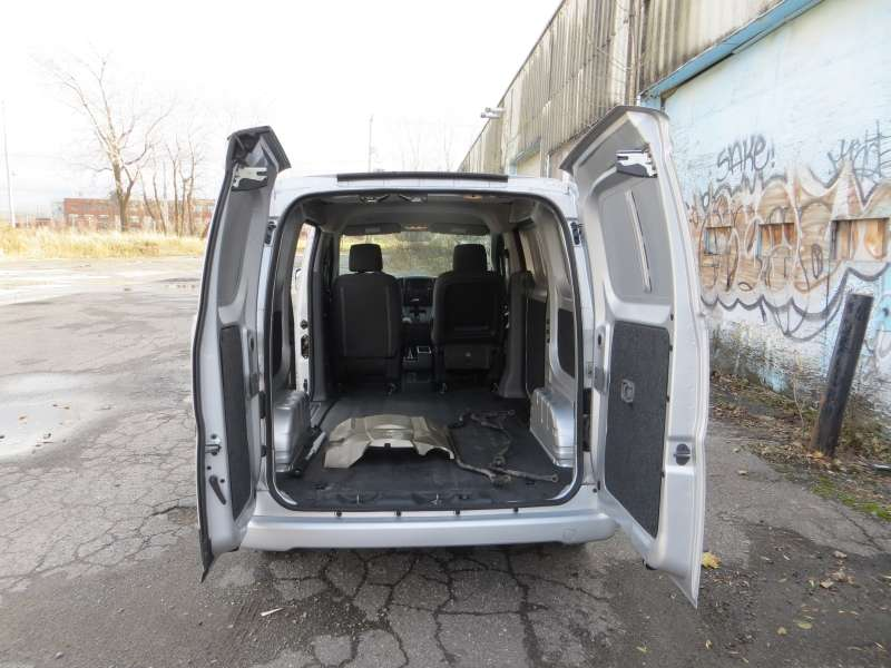 Nissan Nv Passenger >> 2013 Nissan NV200 Cargo Van Road Test And Review | Autobytel.com