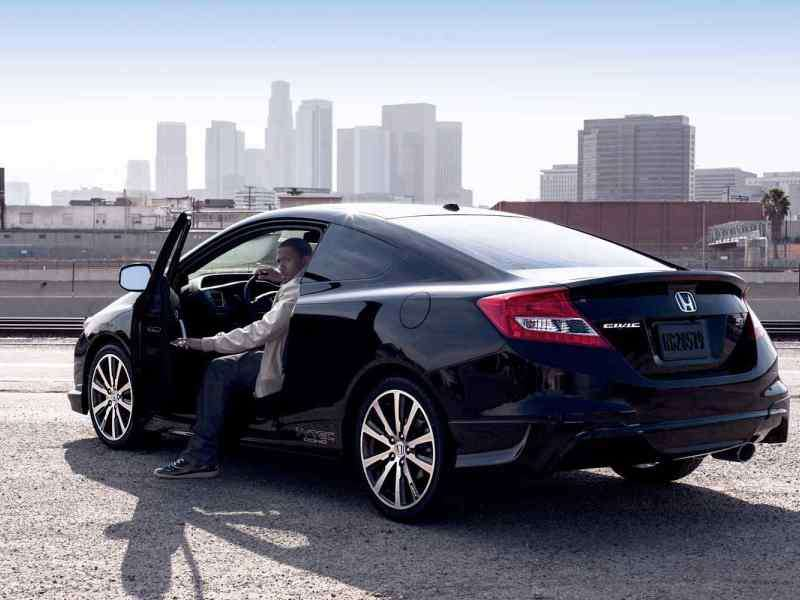 Refreshed 2014 Honda Civic Coupe Reaches Dealerships