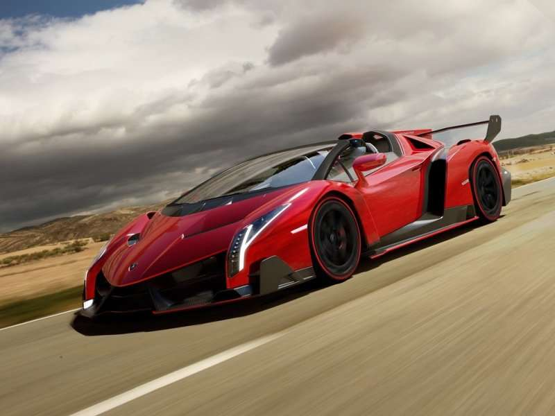 Lamborghi Introduces the Veneno Roadster