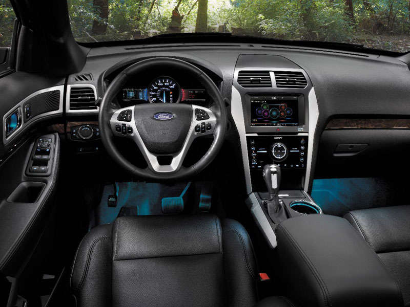 2014 ford explorer family crossover suv road test and review design