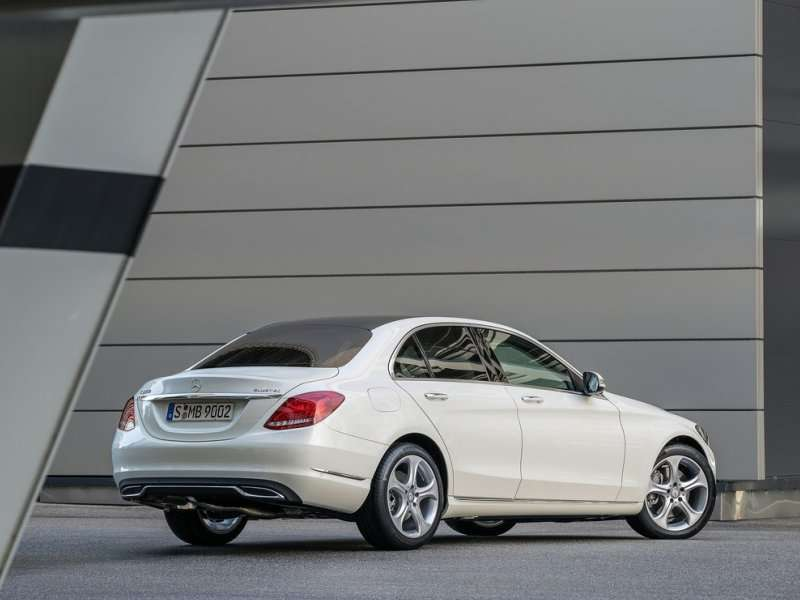 All new 2015 mercedes benz c class to feature s class for Mercedes benz latest technology