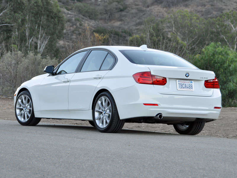 2014 bmw 320i review and quick spin. Black Bedroom Furniture Sets. Home Design Ideas