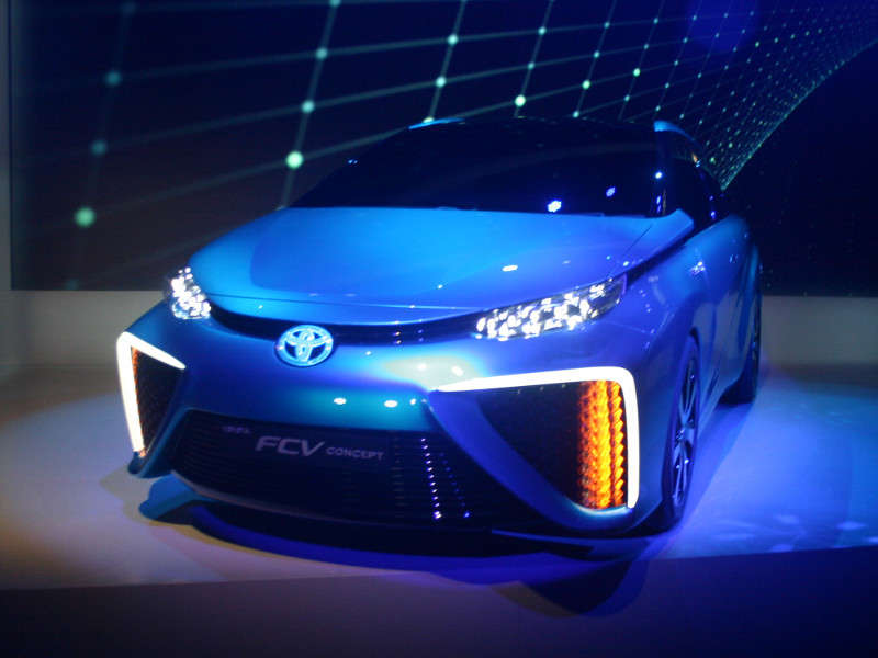Toyota FCV Hydrogen Fuel Cell: 2014 International CES