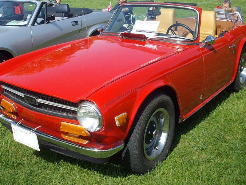 The Ten Best Classic British Sports Cars | Autobytel.com