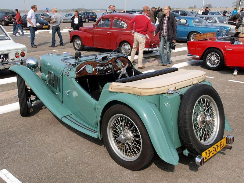 the ten best classic british sports cars. Black Bedroom Furniture Sets. Home Design Ideas