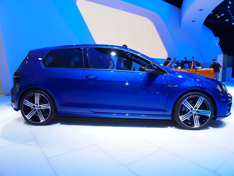 2015 Volkswagen Golf R: North American International Auto Show