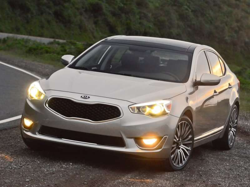 International Car, Truck Awards Go to 2014 Kia Cadenza, Chevy Silverado