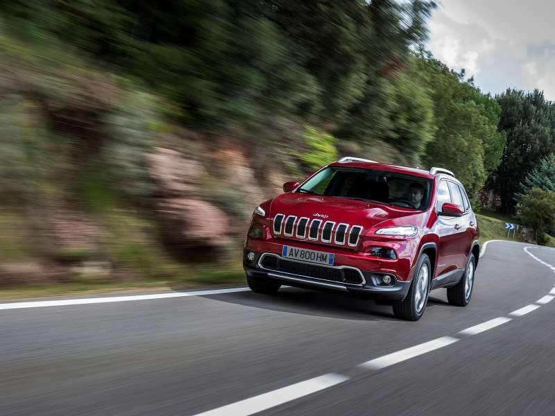 2014 Jeep Cherokee Set to Make Diesel Debut in Geneva