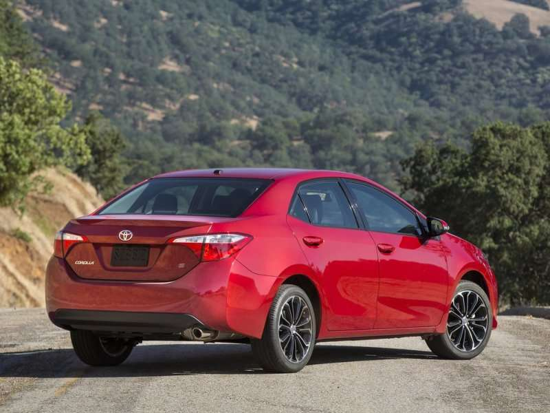 The 2014 Toyota Corolla Features Fresh Styling