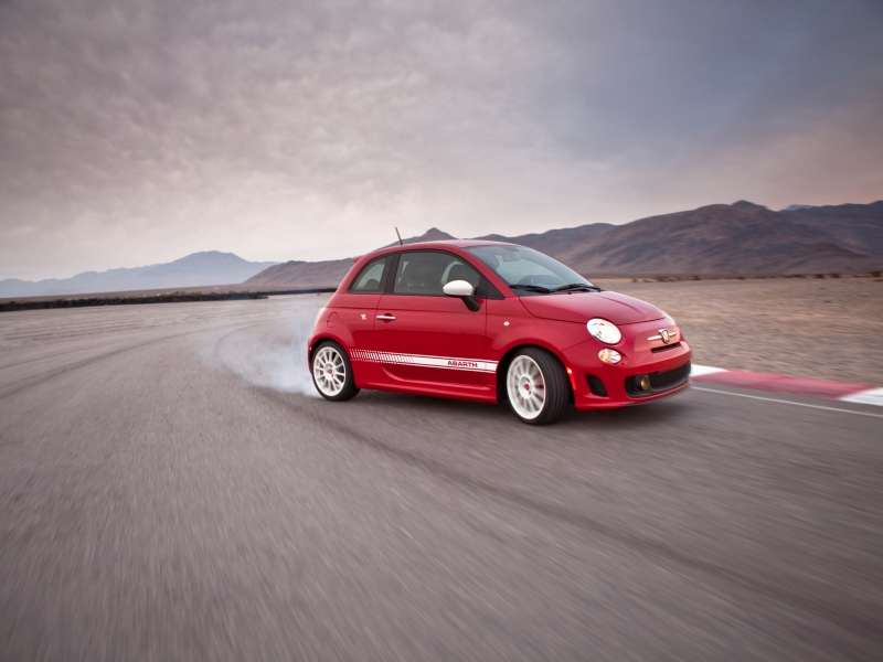 2014 Fiat 500 Abarth Now on Track for More Excitement