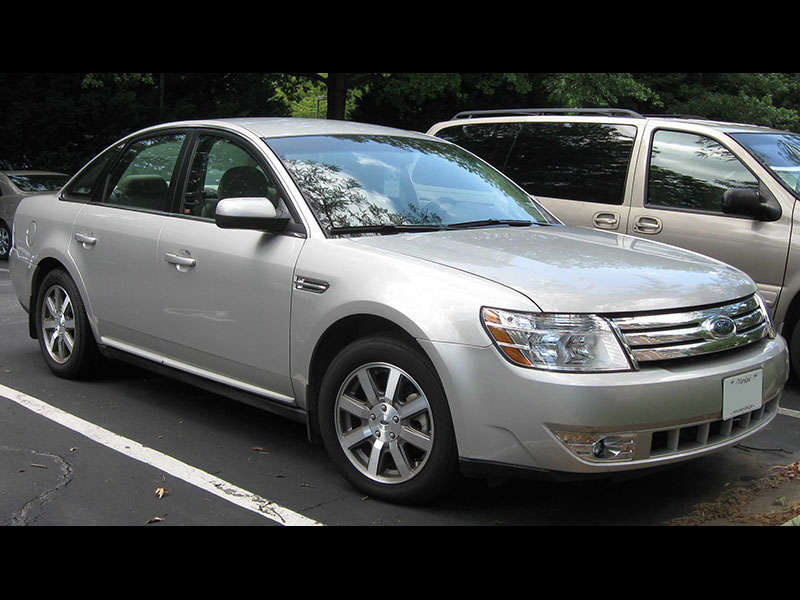 history of the ford taurus in photos. Black Bedroom Furniture Sets. Home Design Ideas