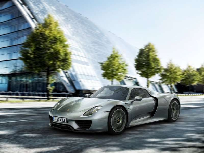 10 Things You Need To Know About The 2015 Porsche 918 Spyder