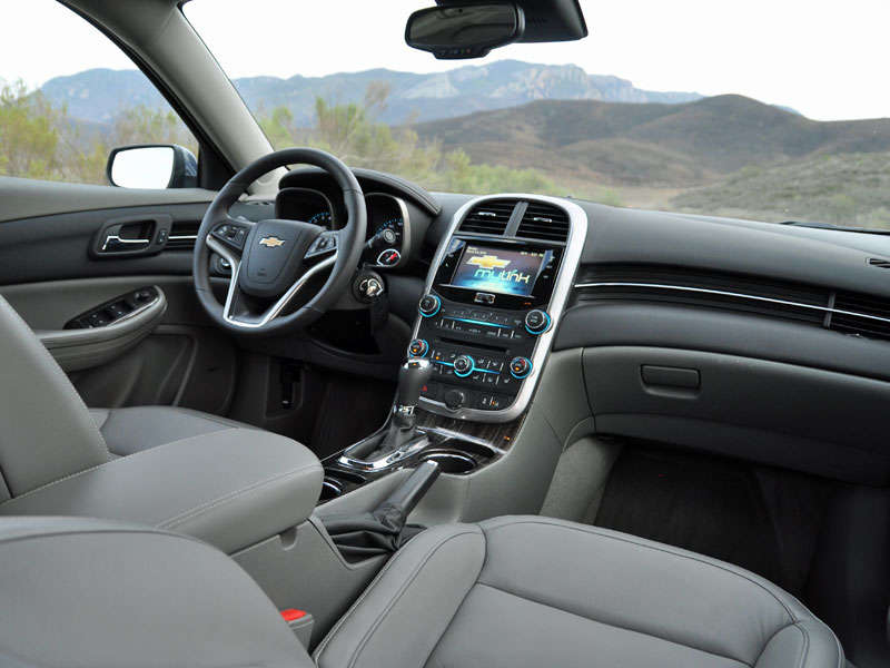 2014 Chevrolet Malibu Midsize Sedan Road Test And Review: Features And  Controls