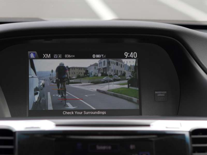 Honda First to Meet NHTSA Criteria with Rearview Cameras