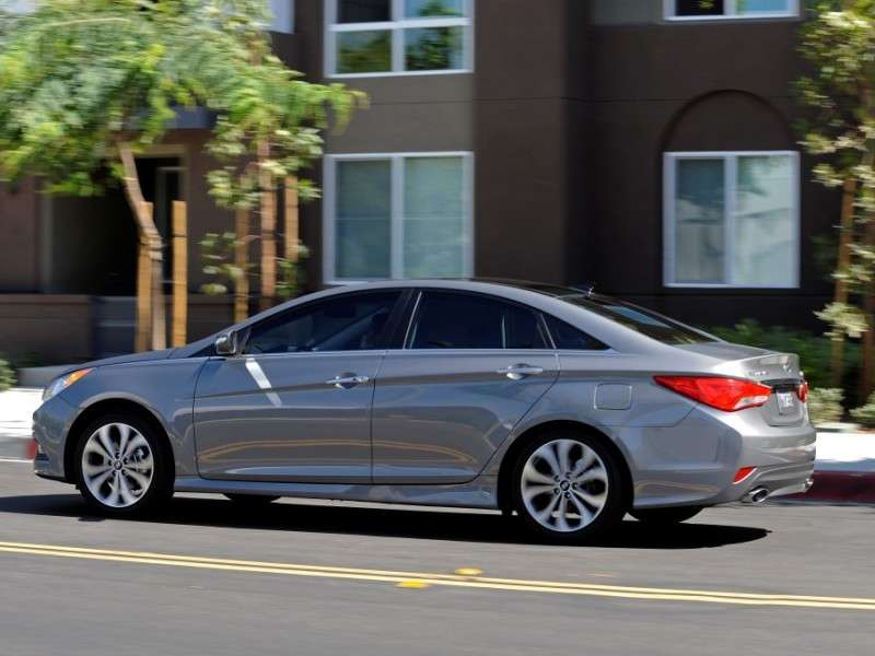 10 things you need to know about the 2014 hyundai sonata. Black Bedroom Furniture Sets. Home Design Ideas