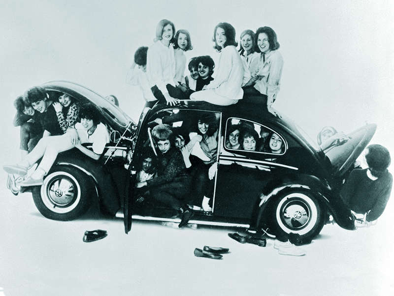 The Complete Beetle: A Photo History of the Volkswagen Beetle ...