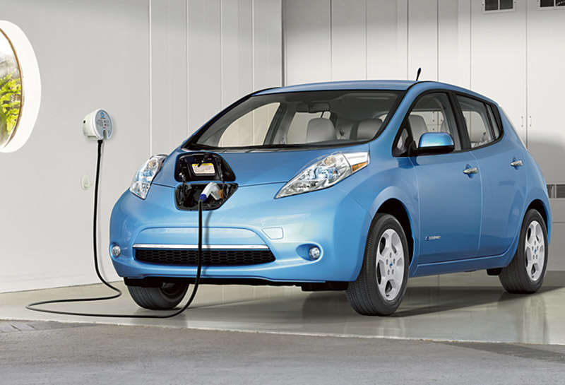 10 Things You Need To Know About The 2015 Nissan Leaf  Autobytelcom