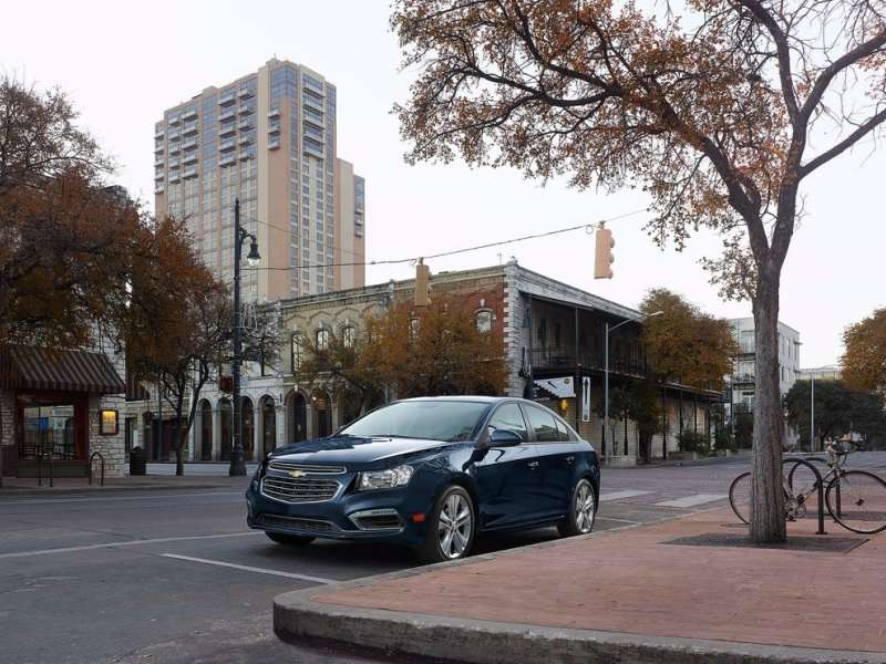 Updated 2015 Chevy Cruze Slated for NY Debut