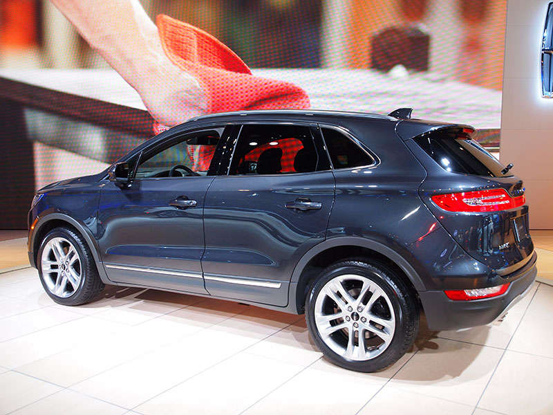 The 2017 Lincoln Mkc Is Available With All Wheel Drive