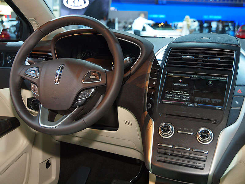 The 2015 Lincoln MKC Re Thinks Its Interior