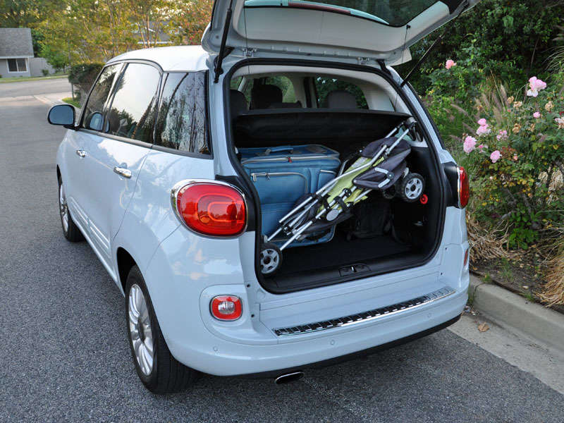 2014 fiat 500l photo gallery. Black Bedroom Furniture Sets. Home Design Ideas