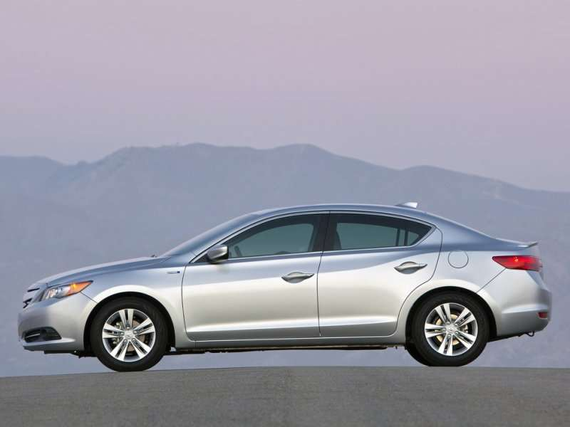 2014 Acura ILX Road Test & Review
