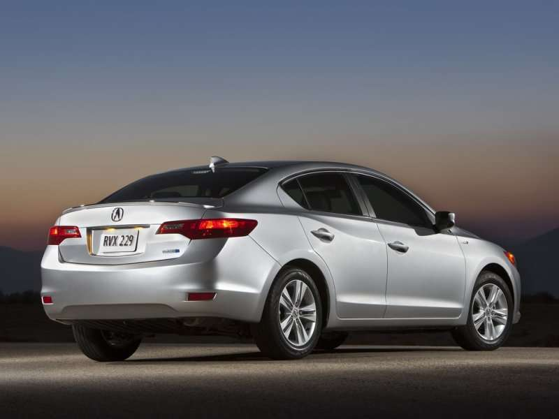 2014 Acura ILX Road Test & Review | Autobytel.com