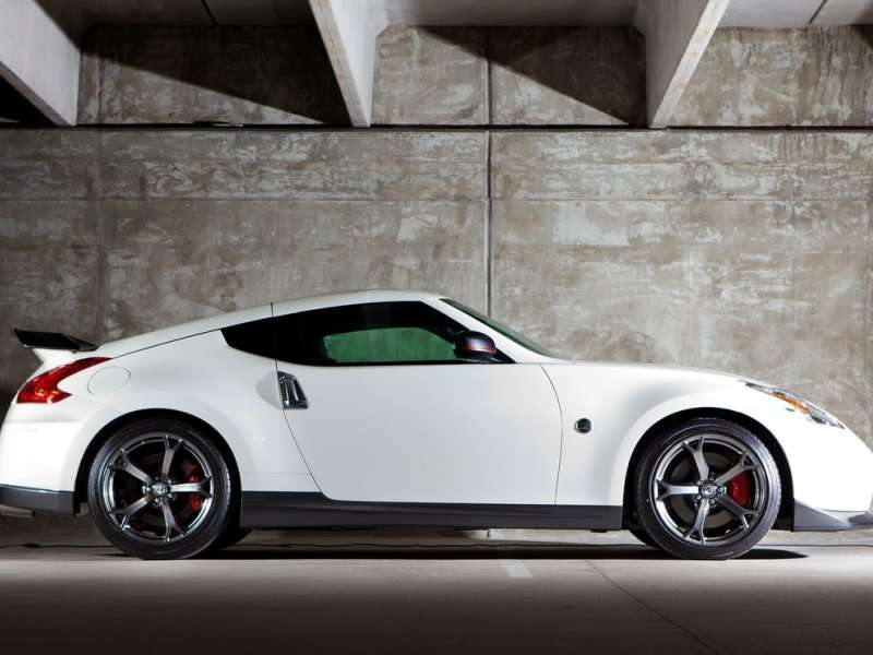 2014 nissan 370z nismo road test and review. Black Bedroom Furniture Sets. Home Design Ideas