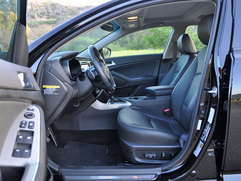 2014 kia optima review and quick spin. Black Bedroom Furniture Sets. Home Design Ideas