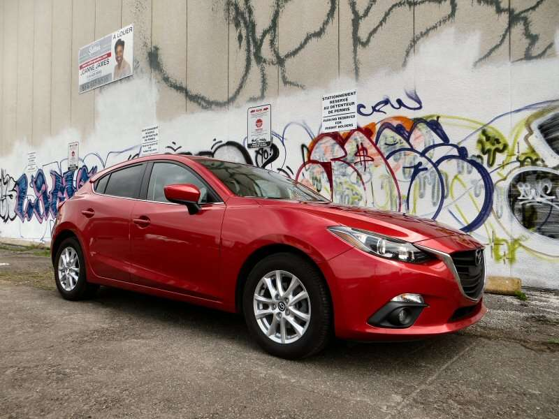 2014 Mazda Mazda3 3i Touring Compact Hatchback Review