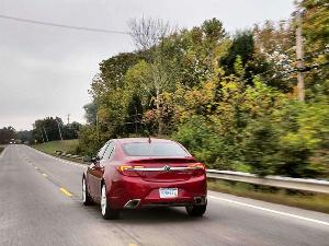 IIHS: 2014 Buick Regal Delivers Superior Front-crash Prevention
