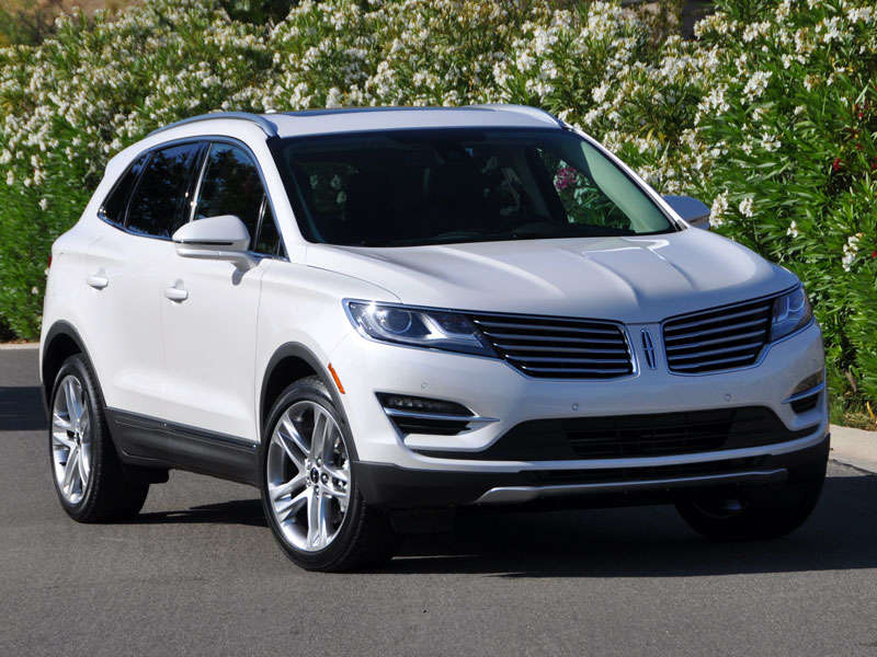 10 things you need to know about the 2015 lincoln mkc. Black Bedroom Furniture Sets. Home Design Ideas