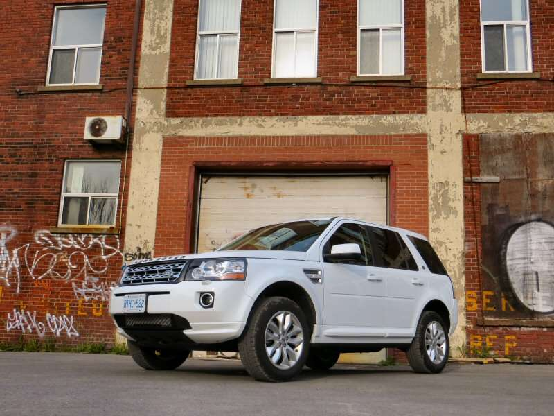 2014 Land Rover LR2 Compact Luxury SUV Review