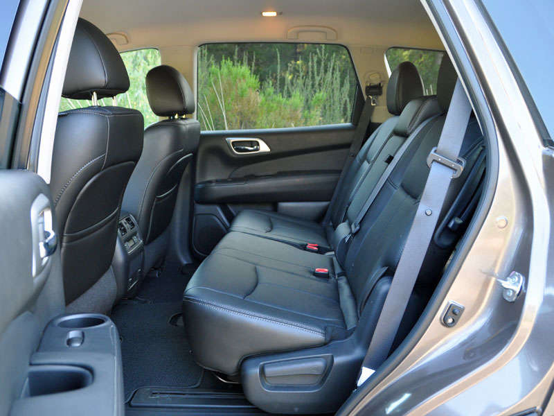 2014 Nissan Pathfinder Review and Quick Spin | Autobytel com