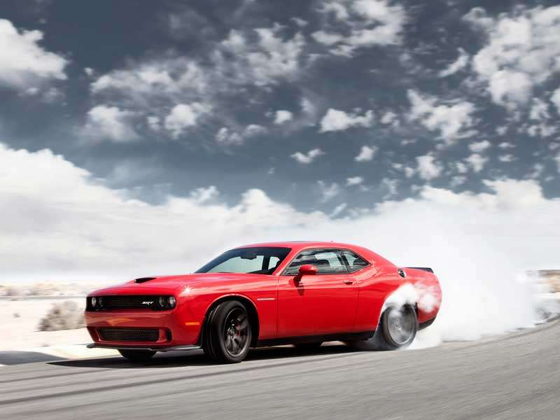 Me-wow!: 2015 Dodge Challenger SRT Hellcat Howls with +700 hp