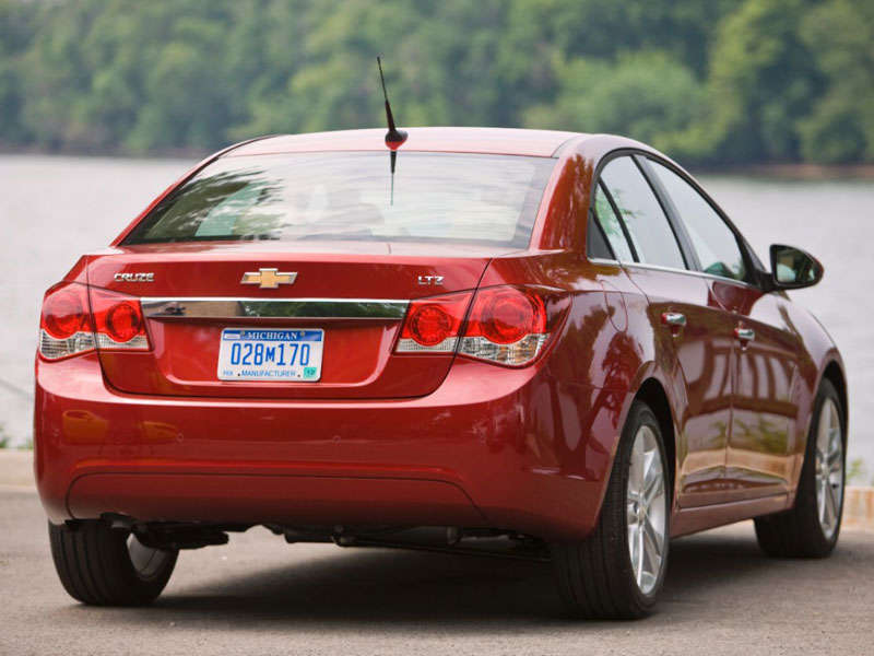 2014 Chevrolet Cruze Review and Quick Spin | Autobytel.com