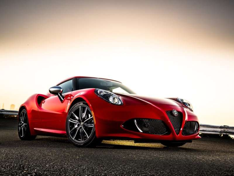 Alfa Romeo 4C First Drive Review