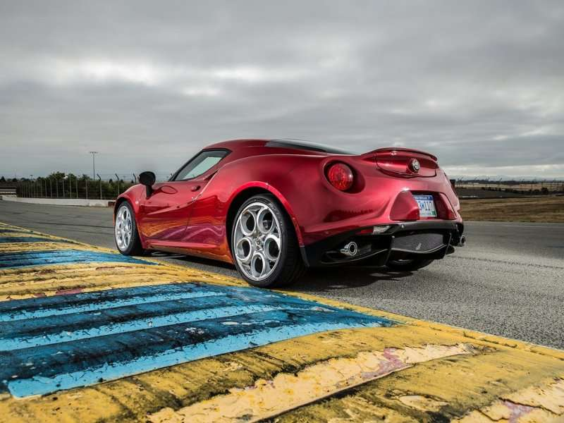 alfa romeo 4c first drive review. Black Bedroom Furniture Sets. Home Design Ideas