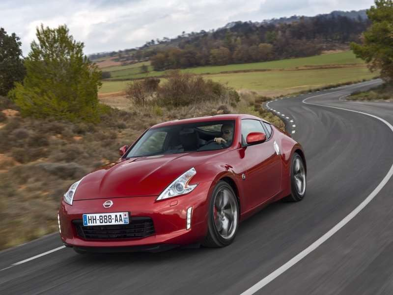 10 Japanese Sports Cars   01   2014 Nissan 370Z