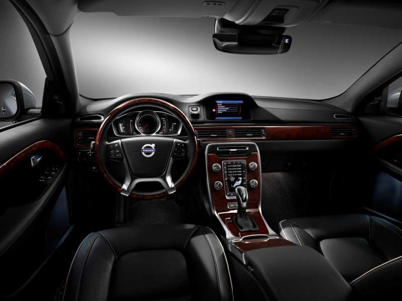 2015 Volvo S80 Delivers 240 Hp 37 Mpg Autobytel Com
