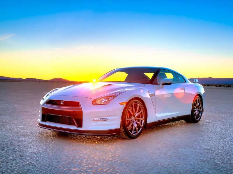 2015 Nissan GT-R Helps Launch Heisman House 2014