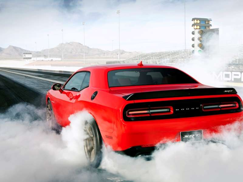 2015 Dodge Challenger SRT Hellcat Rated at 22 MPG with Automatic